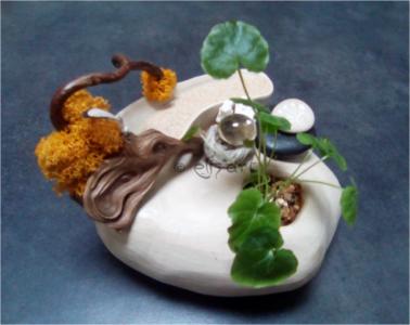 Composition végétale par eliz'art en céramique faite main, végétaux séchés, pierres et citrine, plante naturelle