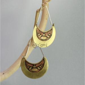 Boucles d'oreilles ethniques en laiton gravé par Eliz'art, tiges en argent 925