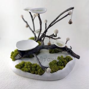 Composition végétale, jardin zen en porcelaine, bois et mousse stabilisée par Eliz'art
